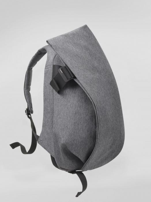 今、ビジネスマンが最も使うべきリュック:スーツに映える「cote&ciel」の革新的なデザイン 5番目の画像