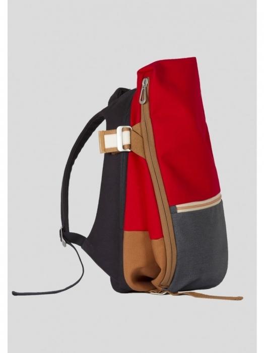 今、ビジネスマンが最も使うべきリュック:スーツに映える「cote&ciel」の革新的なデザイン 12番目の画像