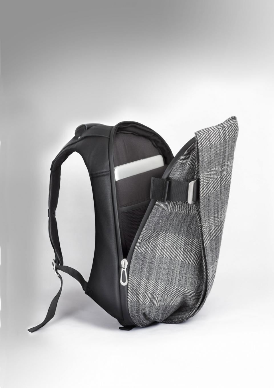 今、ビジネスマンが最も使うべきリュック:スーツに映える「cote&ciel」の革新的なデザイン 6番目の画像