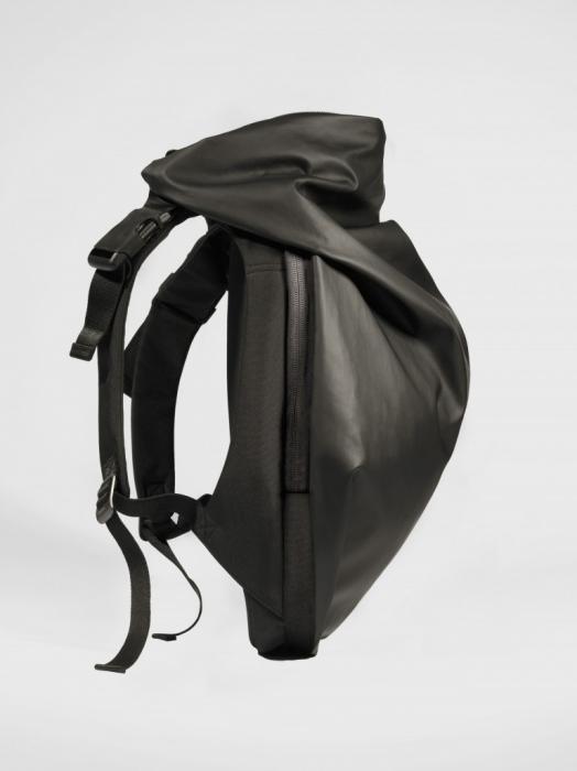 今、ビジネスマンが最も使うべきリュック:スーツに映える「cote&ciel」の革新的なデザイン 3番目の画像
