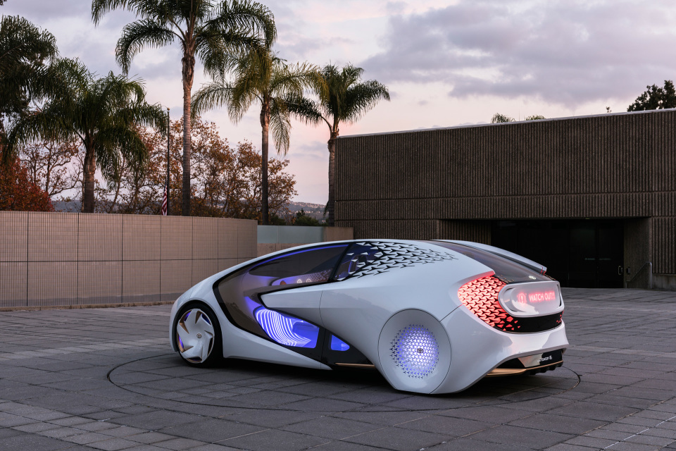AIと自動運転で人とクルマの新しい関係を構築!トヨタ「Concept-愛i」がCESで世界初公開 1番目の画像