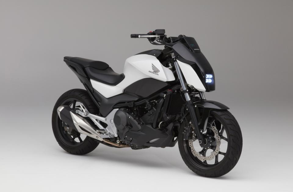 【動画】ホンダがASIMOの技術で自立するバイクやAI搭載の自動運転車をCESで発表! 3番目の画像
