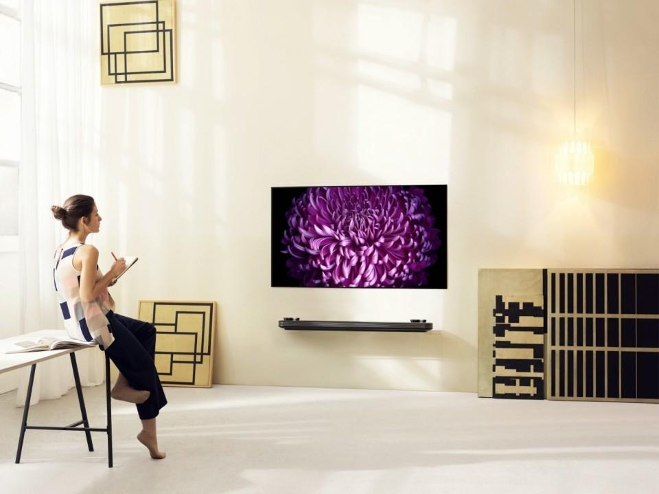 西田宗千佳のトレンドノート:2017年が「OLEDテレビイヤー」になった理由 3番目の画像