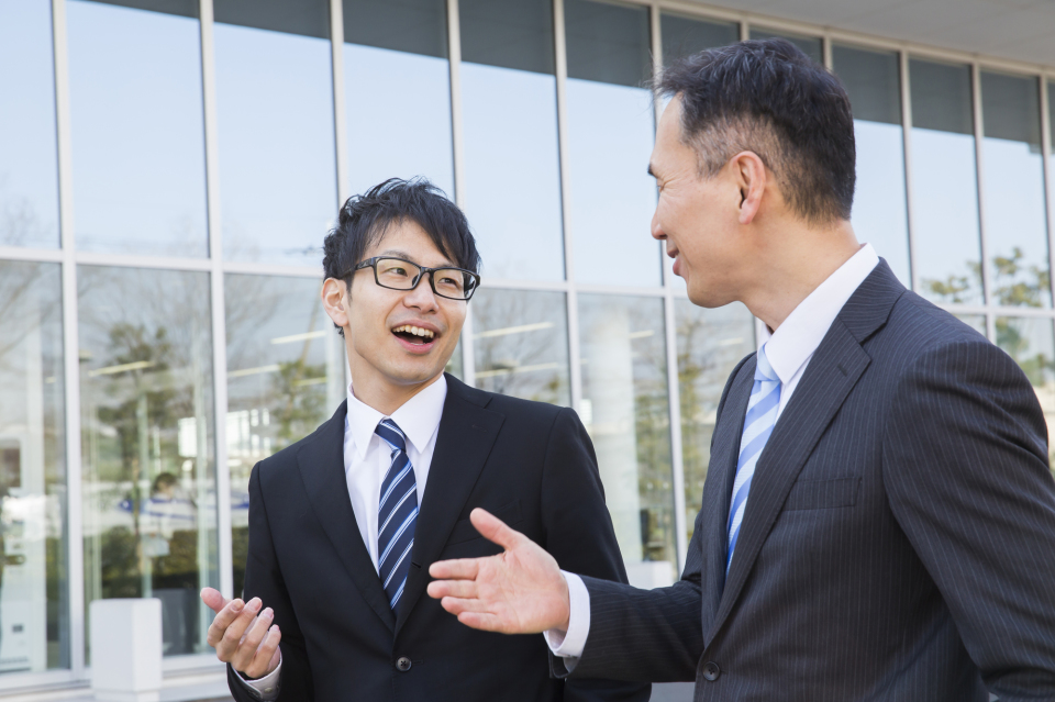 その「常識」は本当に正しい?日本社会に浸透するビジネスマナー・しぐさを検証してみる 3番目の画像