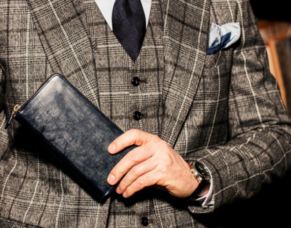 春に買い替えて「張る財布」! 男をアゲる革財布の国産5ブランド 3番目の画像