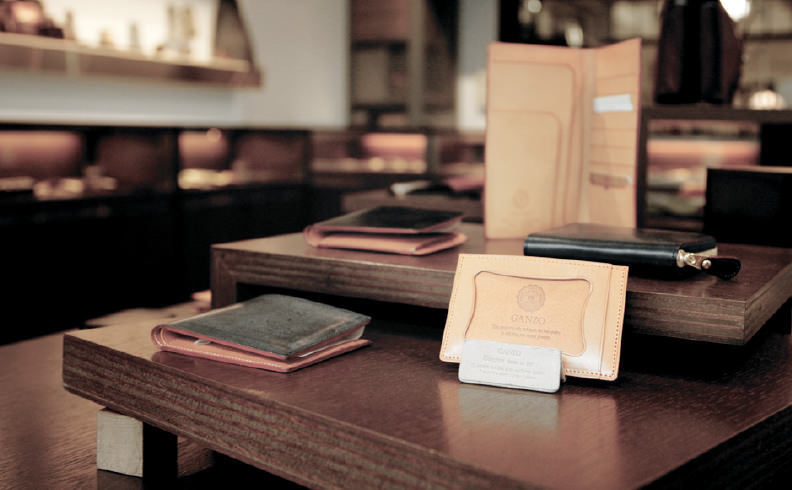 春に買い替えて「張る財布」! 男をアゲる革財布の国産5ブランド 6番目の画像