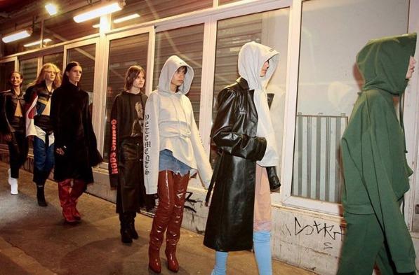 ファッションの常識が崩壊:最新トレンド「エクストリームシルエット」 3番目の画像