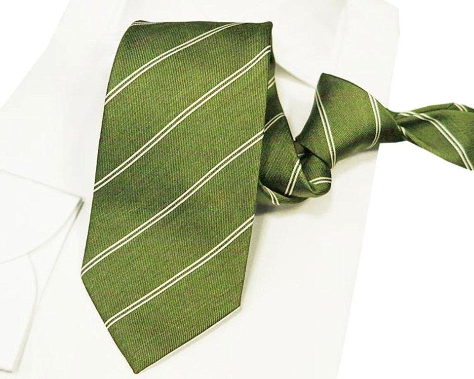 ネクタイがパフォーマンス向上に貢献!シーンで使い分ける正しいネクタイの色選び 6番目の画像