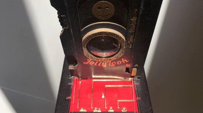アナログファン垂涎! ダンボールでできたレトロなインスタントカメラ「Jollylook」 3番目の画像