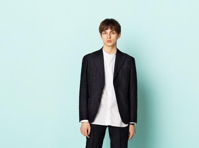 2017年SSファッショントレンド「アビスブルー」「ユーティリティー」:おすすめ春夏アイテム3選 1番目の画像