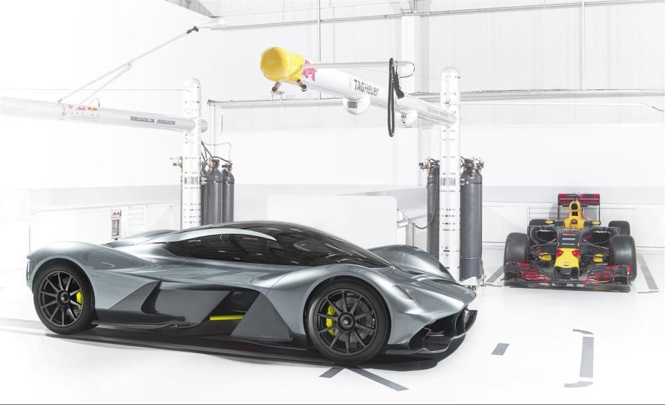 アストンマーティン×レッドブル! 豪華製作陣のハイパフォーマンスカー「AM-RB 001」 1番目の画像