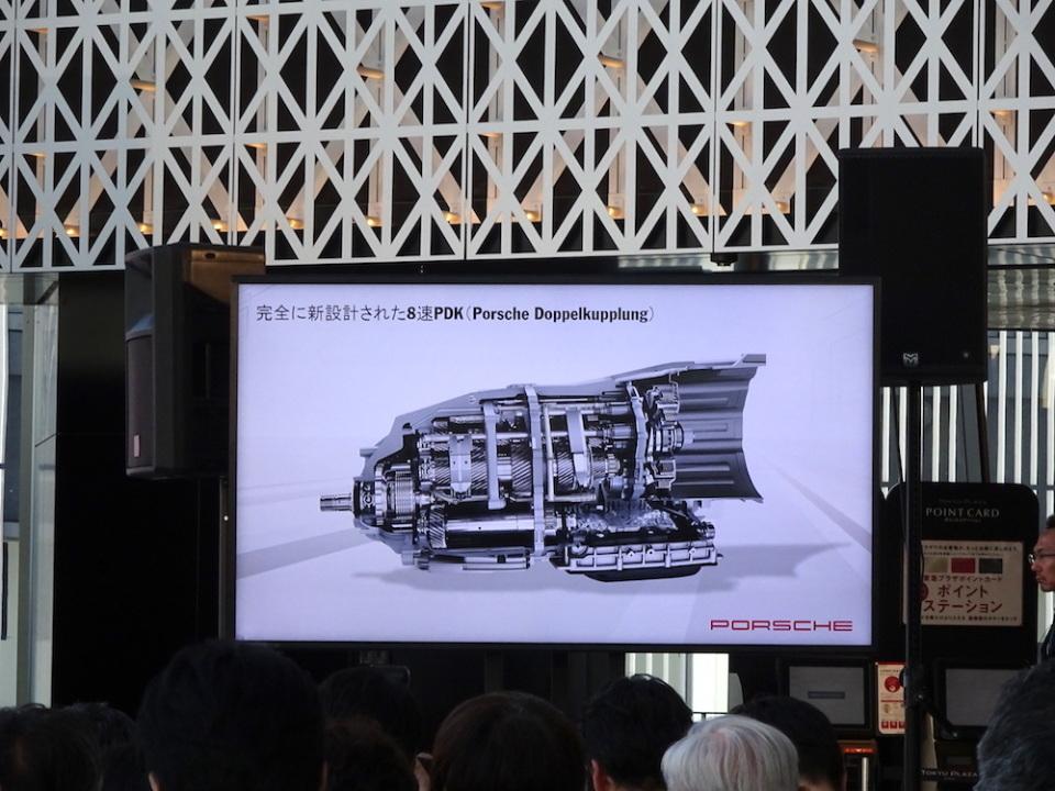 スポーツカー並みの運動性能を持ったラグジュアリーカー! ポルシェ「パナメーラ」の新型が発表 6番目の画像