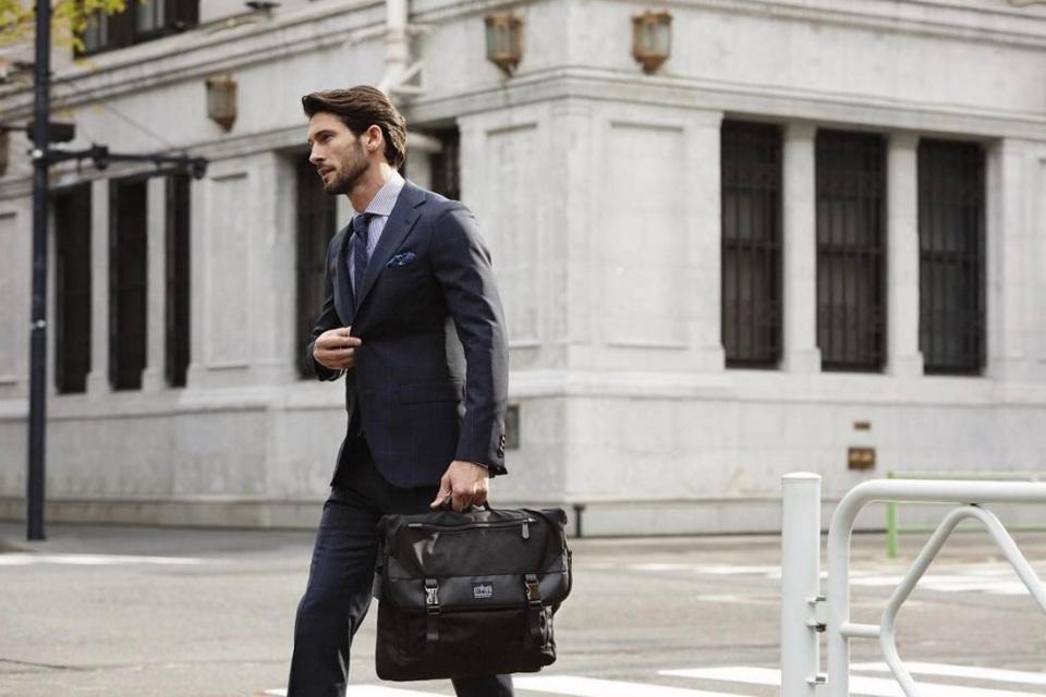「Manhattan Portage BLACK LABEL」でアーバンな紳士スタイルに 2番目の画像