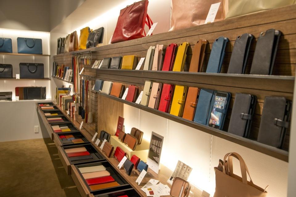 牛革専門店「Business Leather Factory」の定番アイテムで新生活の準備を 2番目の画像
