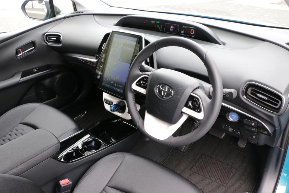 トヨタ「プリウスPHV」試乗レビュー:「プリウスの正常進化型はこちらかもしれない」と感じた理由 2番目の画像