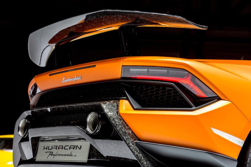 量産車世界最速!ランボルギーニ新型「ウラカン・ペルフォルマンテ」は2017年夏頃から納車スタート 8番目の画像
