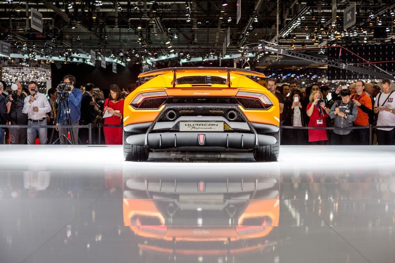 量産車世界最速!ランボルギーニ新型「ウラカン・ペルフォルマンテ」は2017年夏頃から納車スタート 10番目の画像