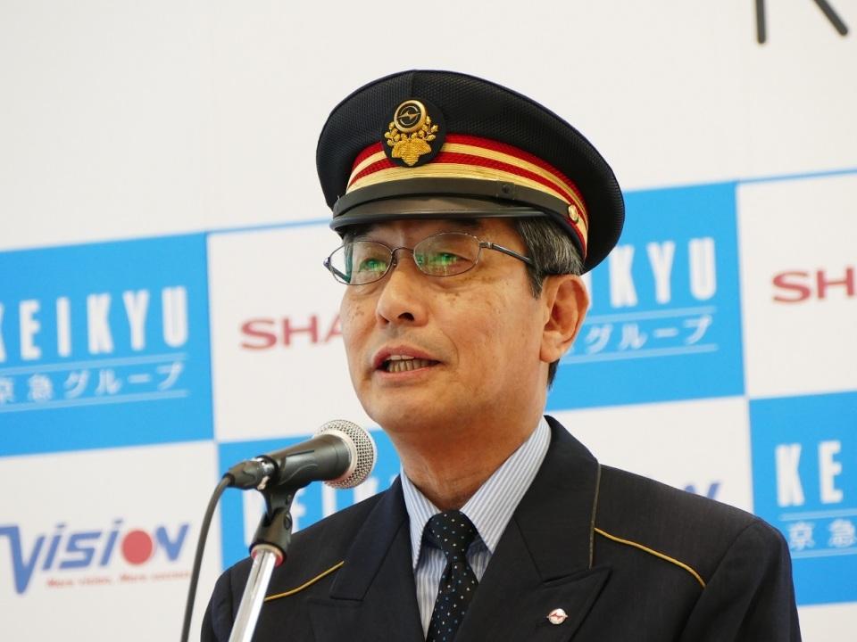 ロボホンが日本を案内するよ! 羽田空港国際線ターミナルで4月からロボットレンタルサービス始動へ  3番目の画像