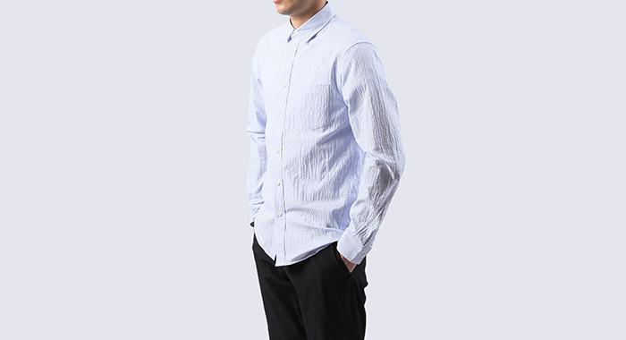 THE NORTH FACEのシーンレスな高機能シャツはオンもオフも、きちんと着やすい。 3番目の画像