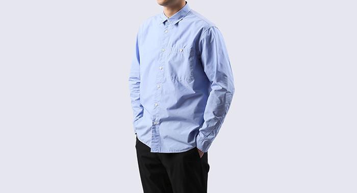 THE NORTH FACEのシーンレスな高機能シャツはオンもオフも、きちんと着やすい。 5番目の画像