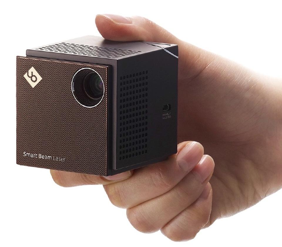 ビジネスでもプライベートでも大活躍:超小型プロジェクター「Smart Beam Laser」 2番目の画像