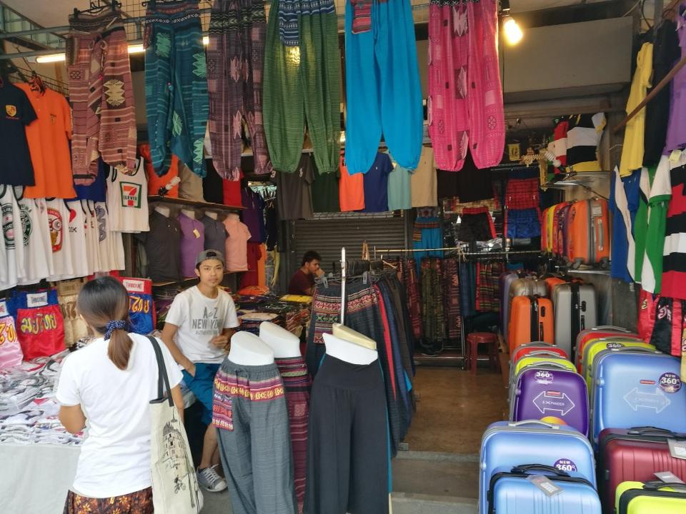 1万店舗以上が連なる、タイで開催された世界最大級のウィークエンドマーケット「JJ」に行ってきた! 5番目の画像