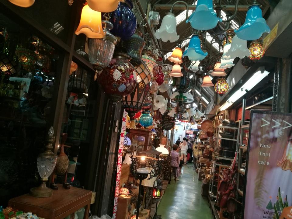 1万店舗以上が連なる、タイで開催された世界最大級のウィークエンドマーケット「JJ」に行ってきた! 6番目の画像