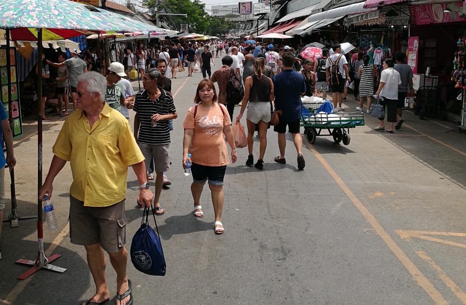 1万店舗以上が連なる、タイで開催された世界最大級のウィークエンドマーケット「JJ」に行ってきた! 1番目の画像