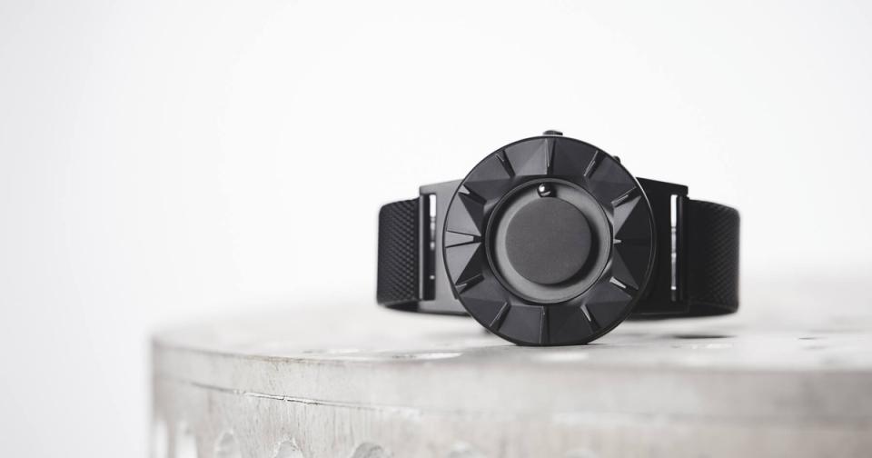 """""""時間を見る""""という固定概念を捨てる。EONEの新作腕時計「BRADLEY ELEMENT」 2番目の画像"""