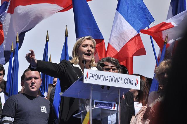 【速報】フランス大統領選第1回投票、中道マクロン氏と極右ルペン氏が決選投票へ 1番目の画像