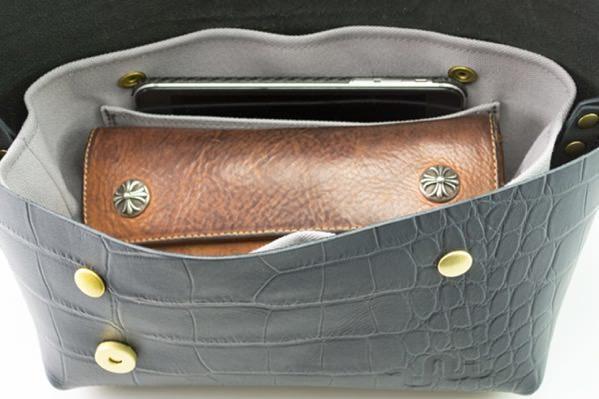 ジャパンメイドの品質とデザイン。ビジネススタイルにも馴染むUni&co.のメッセンジャーバッグ 18番目の画像