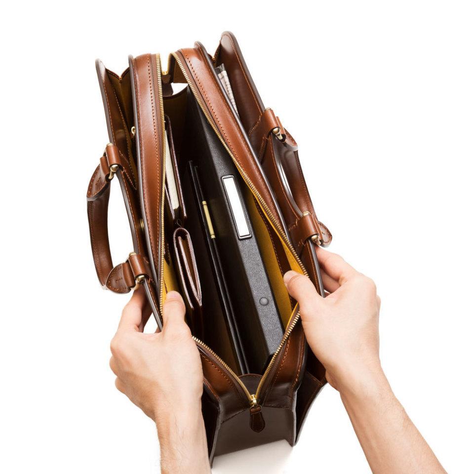 ともに歩む家族のように。土屋鞄製造所が手掛ける一生モノ鞄5選 10番目の画像
