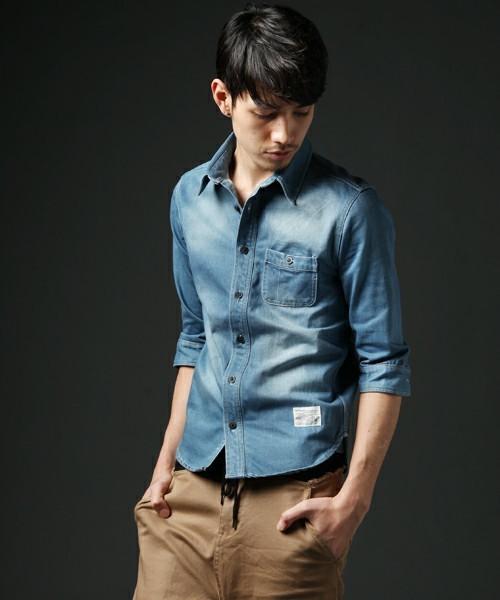 デニムシャツをおしゃれにかっこよく着こなすには?おしゃれメンズから学ぶ「デニムシャツのコーデ術」 4番目の画像