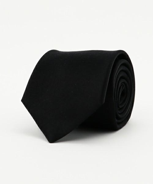 【厳粛な場に】お葬式でもOKなネクタイの結び方とマナー 2番目の画像