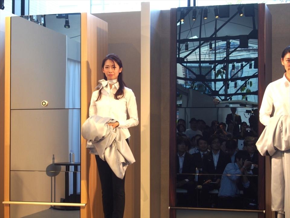 限定予約が開始した全自動衣類折り畳み機「ランドロイド」はお値段なんと185万円! 1番目の画像