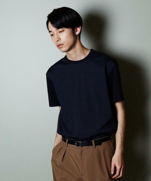 30代から着こなしたい無地Tシャツ、選ぶポイントは「カタチ」にあった 1番目の画像