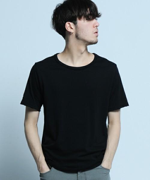 30代から着こなしたい無地Tシャツ、選ぶポイントは「カタチ」にあった 4番目の画像