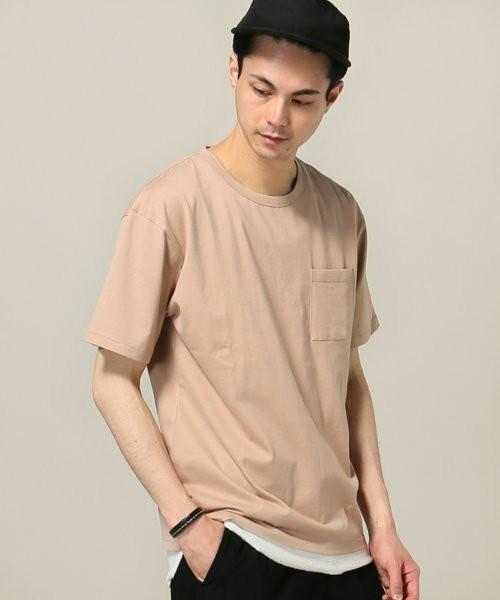 30代から着こなしたい無地Tシャツ、選ぶポイントは「カタチ」にあった 5番目の画像