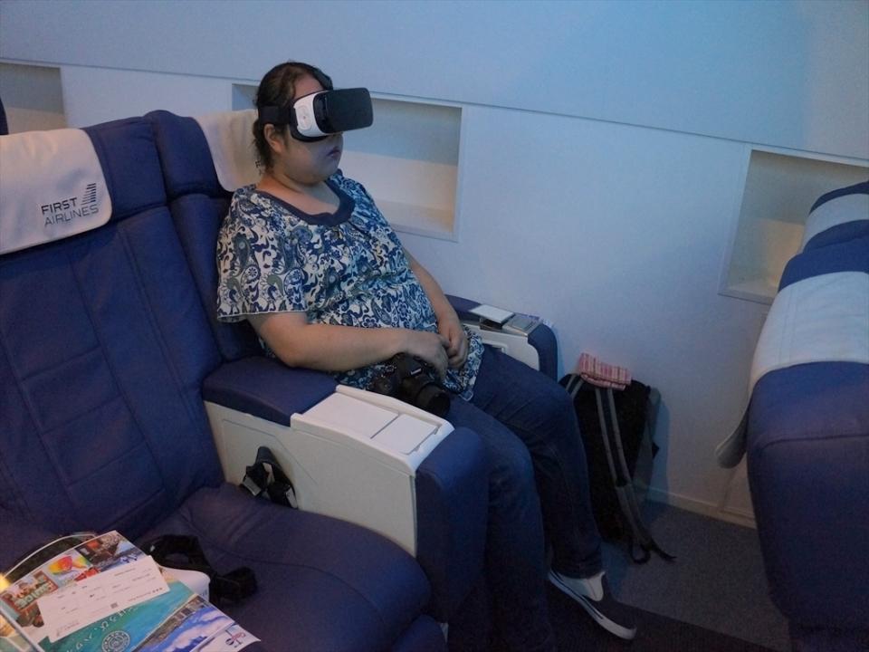 ファーストクラスの搭乗体験ができる!「FIRST AIRLINES」でハワイ行きVR体験レポ 8番目の画像