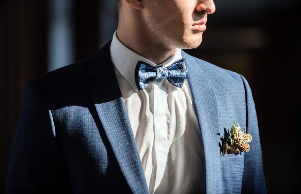 結婚式にふさわしいスーツの着こなし方って? 結婚式は服装の「マナー」から、全てが始まる 1番目の画像