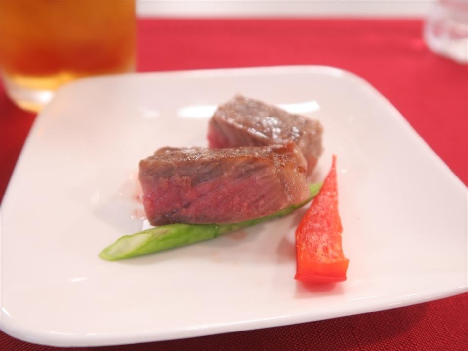 """完全にお店の味!! """"あぶり焼き""""対応の新ウォーターオーブン「ヘルシオ」で最高のステーキを実食! 7番目の画像"""