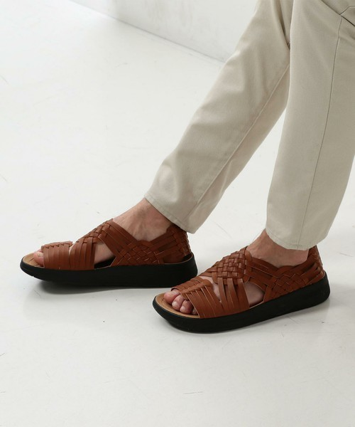 素足でもエレガントな足元に! コーデ幅が広がるマリブサンダルズ「CANYON」 3番目の画像