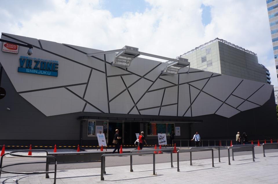 エヴァや攻殻、ガンダムがVRゲームになって登場!新宿にオープンした国内最大級VR施設体験レポ 1番目の画像