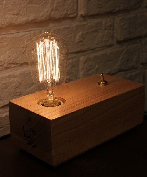オトコの部屋に穏やかな時間を創造する、センスのいい間接照明 3番目の画像