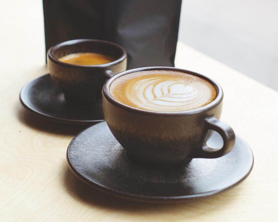 抽出後の豆かすがおしゃれに生まれ変わる、環境に優しいコーヒーカップで味わう至福の一杯 1番目の画像