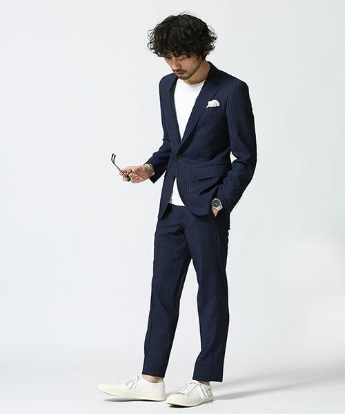 【完全版】王道「ネイビースーツ」の着こなし術:ネイビースーツの基礎からワンランク上のおしゃれまで 13番目の画像