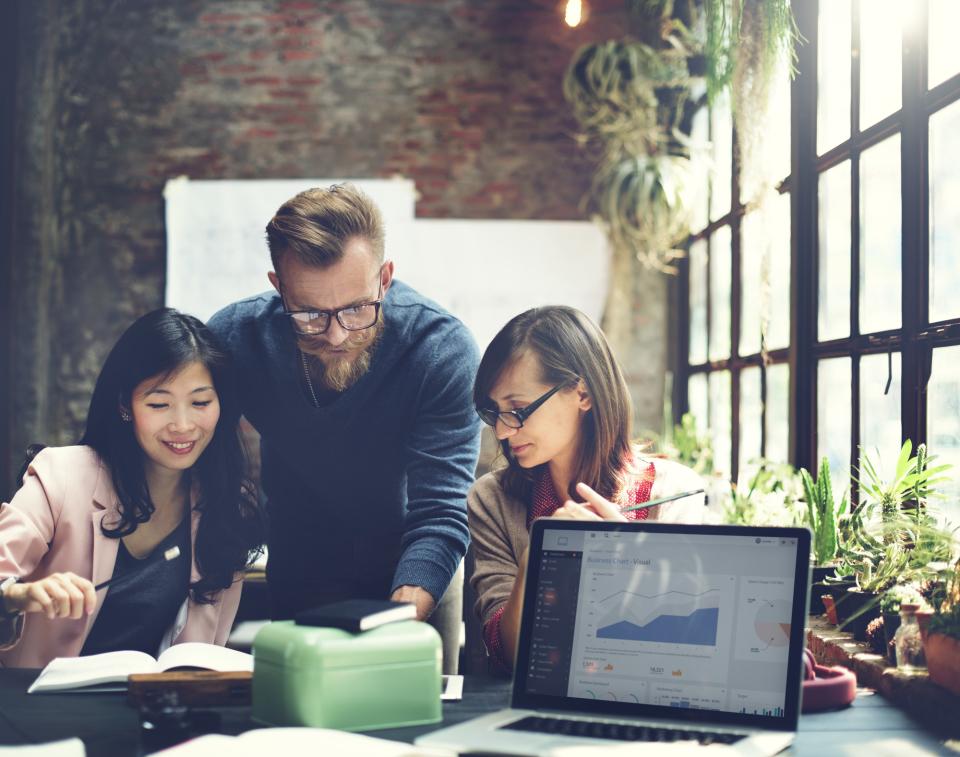 仕事の効率を上げる「報告・連絡・相談(ホウレンソウ)」の基本とコツ 1番目の画像
