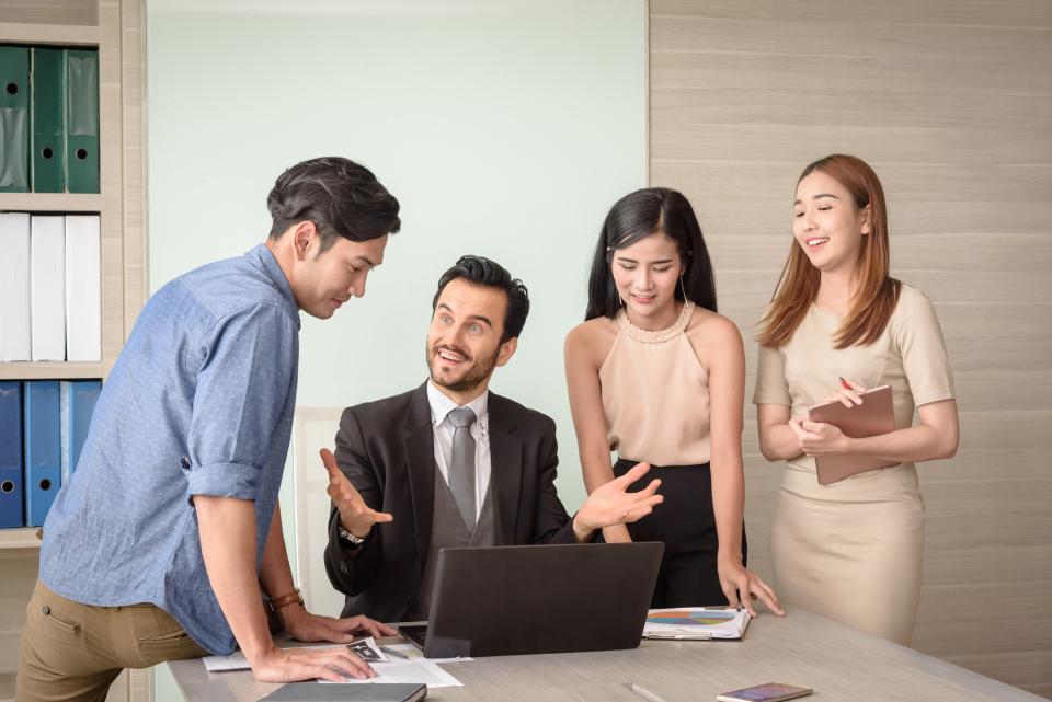 【書き起こし】俳優ジョン・クリーズが伝授「成功するためには敬愛する人からスタイルを盗むこと!」 1番目の画像