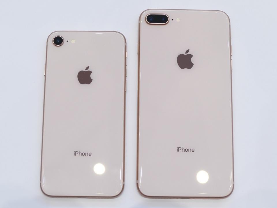 【現地写真】アップル、5.8型有機EL搭載の10周年記念モデル「iPhone X」を発表! 7番目の画像