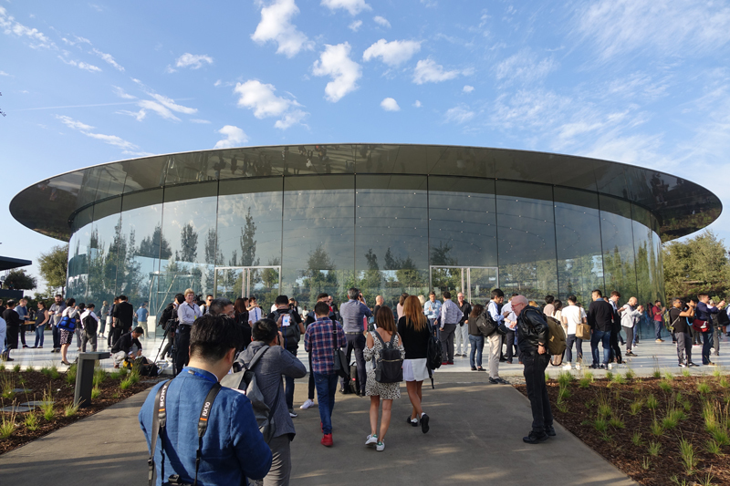 西田宗千佳のトレンドノート:アップルの今は「X」より「8」「Watch」から見えてくる 1番目の画像